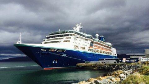 REISEEVENTYR: Vi kan snu utviklingen i fjordene til noe positivt for nord, skriver 14 ordførere i dette innlegget. Her er cruiseskipet Empress avbildet i Alta 2. juni 2015.