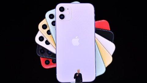 Mange har allerede abonnement på strømmetjenester, lokalaviser, treningssenter og andre tjenester. Nå ser Apple og administrerende direktør Tim Cook på mulighetene for et månedlig iPhone-abonnement der du jevnlig kan bytte ut smarttelefonen din for en nyere modell. Foto: Josh Edelson (AFP)