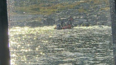 PÅ LAND: Fisketuristene i Havøysund sendte ut nødsignal lørdag.