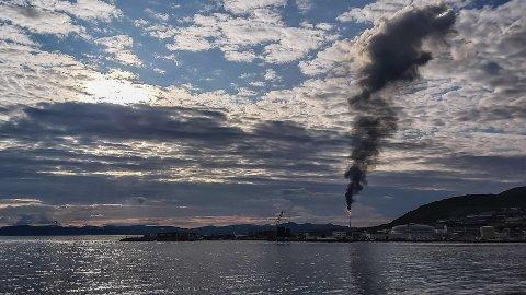 På et industrianlegg som Hammerfest LNG vil utslipp i et begrenset omfang være en del av det å drive anlegget sikkert og effektivt, skriver artikkelforfatteren. Bildet er tatt ved en tidligere anledning.