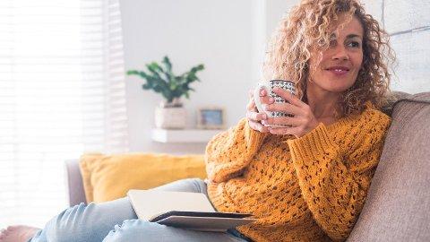 KAFFE: Det er kanskje å ta i å omtale kaffe som en mirakeldrink, men at et moderat inntak har gode effekter på helsa vår, er det liten tvil om. Foto: Getty Images