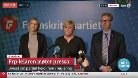 FREXIT: Her tar partileder Siv Jensen, flankert av sine nestledere Sylvi Listhaug og Terje Søviknes, FrP ut av regjering.