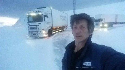 FORSINKELSER: Flere finnmarksveier har vært stengt langt over gjennomsnittet. Yrkessjåfør Tommy Gunnarsønn er blant de som har blitt rammet.