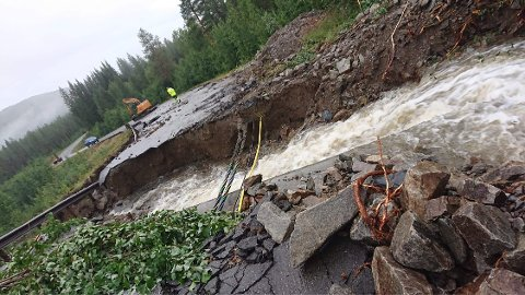 TATT AV VANNET: Her er veien opp til Målselv Fjellandsby forsvunnet.
