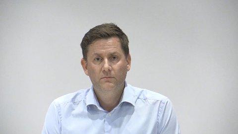 Konsernsjef Daniel Skjeldam i Hurtigruten under mandagens pressekonferanse.