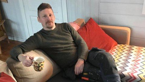 MILITÆRET FLYTTET INN: Tor Erik Eriksen har fått militære gjester i hjemmet sitt.