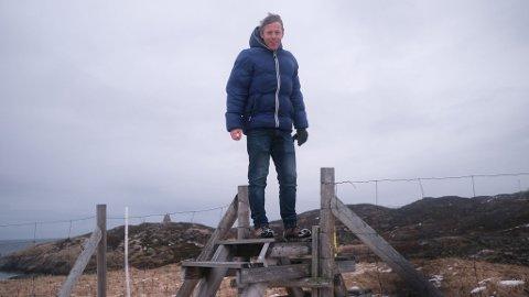 GRENSE JAKOBSELV: Ett av mange steder Gunnar Garfors har besøkt, og ønsker å vise fram til resten av Norge, er Grense Jakobselv. Til sammen har han vært på 81 små steder landet rundt, hvor Finnmark er hele 11 av dem.