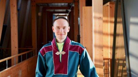 SAMETOPP: Runar Myrnes Balto i dag leder for Norske Samers Riksforbund (NSR), og bosatt i Tromsø, blir sametingsråd på Sametinget. Her er han i Karasjok for å forberede seg til den formelle innsettelsen.