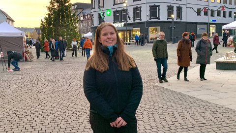 POSITIVT: Linn K. Hvattum synes det virker som at sentrum er tatt hensyn til med det det planlagte kollektivknutepunktet.