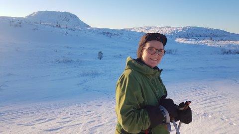 UT PÅ TUR: Bjørg Anni Pedersen Boneng (57) er aldri sur. Ikke når hun er på tur heller.