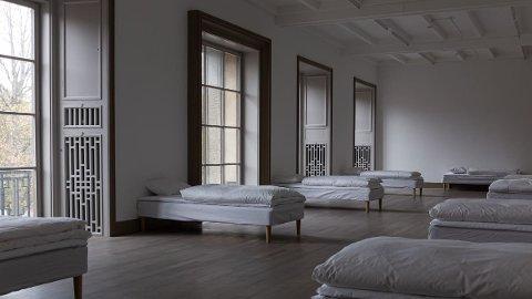 ÅTTE GJESTER: I Sovesalen er det plass til åtte gjester som får en helt unik opplevelse i museets saler.