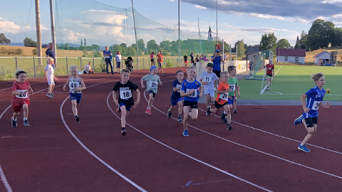 600 meter: Her går starten for 600 meter for gutter fra 6 til 10 år.
