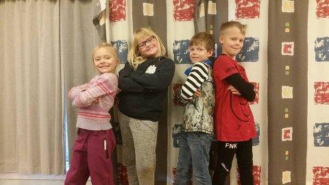 KLARE FOR JULEMARKED: Silje-Sofie, Karoline, Marcus og Fredrik.