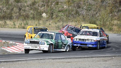 Dette er normalen for Hans-Jøran Østreng når han kjører NM i rallycross med sin grønne og hvite BMW. Til helgen venter 33-åringens første EM-runde i en leid Citröen. Arkivfoto: Trym Helbostad