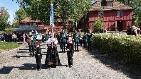 17. MAI-SPILLING: Hvert år spiller Blaker Skolemusikkorps på Blaker skanse på nasjonaldagen.