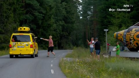 STOPP: Christian Nilssen fikk stoppet Sommerbilen og levert arket sitt.