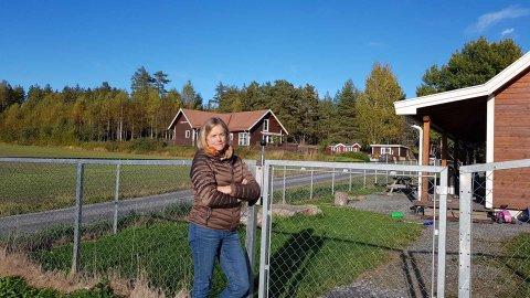 Styrer Cathrine Brekken Kolstad i Plommehagen barnehage frykter at forslagene i to rapporter kan det slå beina under 25 års drift.