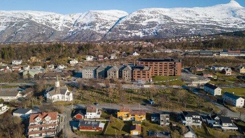 Helgelandssykehuset i Sandnessjøen har isolert seks pasienter og én ansatt etter at det ble påvist koronasmitte.