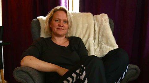 SJELDENT STILLESITTENDE: Fostermor Tone Lerbrekk får ikke tilbrakt mye tid hjemme i godstolen på Varhaug.