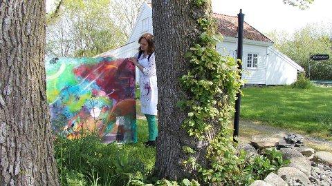 NATUR OG KUNST: «Eg opnar ein draum» er eitt av bilda Irene Grimstad Gjelvik viser på utstillinga «Det syng og drøymer».