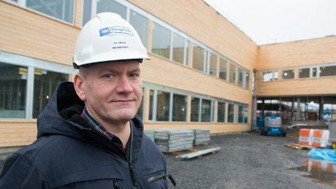 Mats Bryne, utviklingsleiar for Jærskulen, er oppteken av å snakka positivt om læraryrket. Han synest til dømes at det finst mange flotte skulebygg på Jæren, og ser fram til at Tu skule opnar i nye lokale januar 2015.