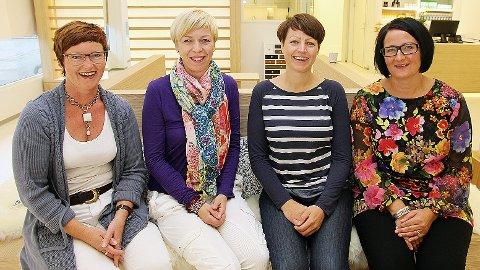 I morgon står desse fire klare til å ta imot kundar i ny optikarbutikk. Frå venstre: Merete Bøe, Marianne Eeg Tunes, Tone Svela og  Belinda Bjorheim Braut.