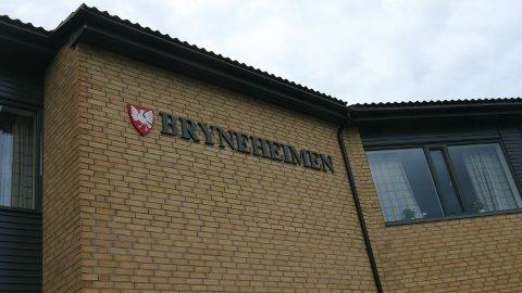 PÅ SIKT:  Tenesteleiar Lene Juul Hansen ved Bryneheimen meiner at intravenøs antibiotikabehandling er noko som vil tvinga seg fram. (Foto: Brit Romsbotn)
