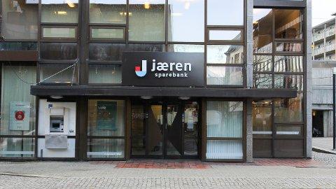 Jæren Sparebank kuttar lånerenta for bustad med inntil 0,45 prosent. Det vert også kutt på innskotsrenta.