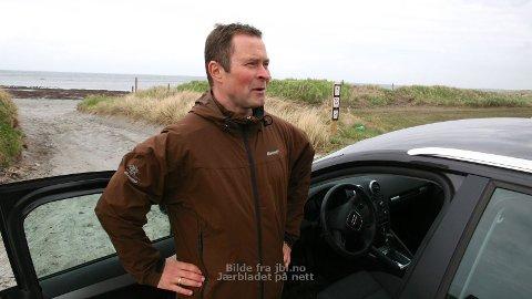 STRANDKJØRING: Svein Høyland og Hå Senterparti meiner at lokale politikarar bør få bestemma meir over strendene, til dømes begrensa biltrafikk.