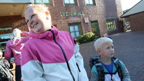 Vilde Jensen (12), 7. klassing ved Lye skule, er tanta til Ola Jensen Bergene (5), fersk førsteklassing ved same skulen.