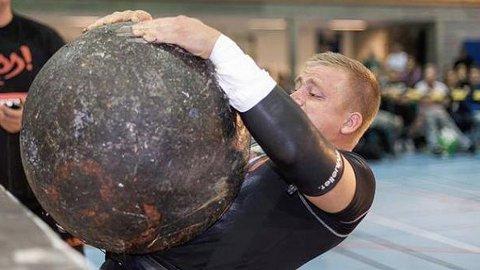 PRØVER SEG: Morten Aamodt deltar i VM Strongman i Helsinki denne uka.