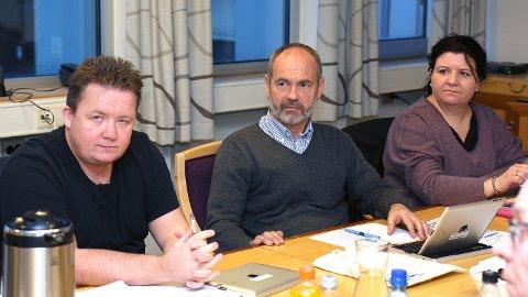 SAMDE: Formannskapet støtta rettsforliket mellom grunneigarar på Odland og kommunen. Frå venstre: Svein Arve Nygård (Frp), Jonas Skrettingland (KrF) og Anna Ekroll Borgenvik (KrF).