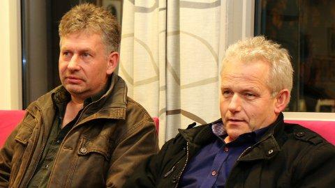 SLUTT: Grunneigarane Jarle Waldeland (t.v) og Egil Odland sat på tilhøyrarbenken på kommunestyret torsdag. Dei vil nå leggja konflikten bak seg.