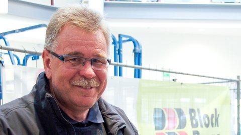 Petter L. Stabel (FrP), varaordførar i Time, liker ikkje at det er sett opp gratis ladestasjon for elbilar ved rådhuset på Bryne. (Arkivfoto)