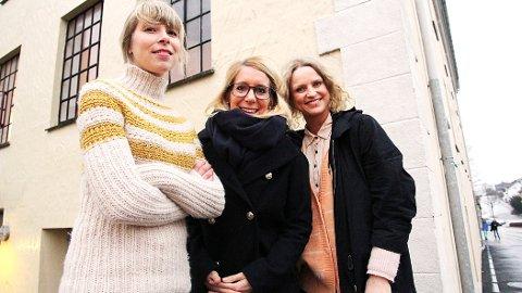 Stine Rommetveit (f.v.), Ida Jaarvik Hetland og Siv Elise Seland håper at mange velger å legge turen innom Bryne Mølle den siste lørdagen før jul.