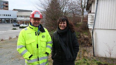 FYRST UT: Skjalg Espedal i Gann Tre og Eli Norund Søyland i Vesterhagen Invest er klare for å gå i gang med bustadprosjektet Skjærpebakken på Nærbø.