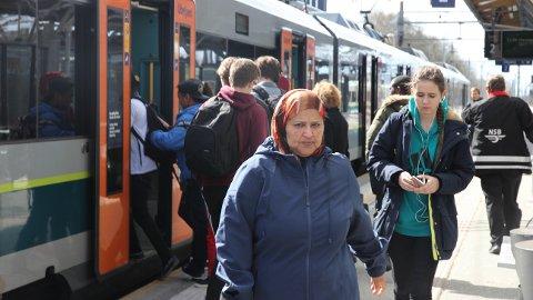Lite tog i sommar: Passasjerane på Jærbanen kan sjå fram til bussturar i sommarmånadane.