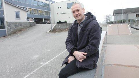 Mats Bryne, utviklingsleiar i Jærskulen, gler seg over søkjartala. Dei er eitt av punkta i ein fersk tilstandsrapport for skulane. Tirsdag skal rapporten drøftast på eit stort fellesmøte.
