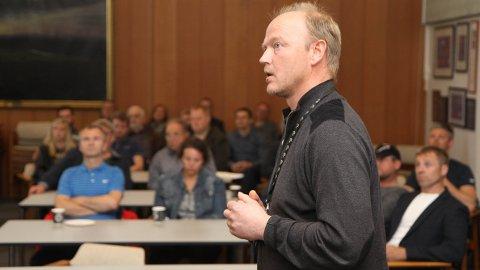 Myndighetskontakt Asbjørn Folvik i Lyse Elnett informerte om planene for nytt regionalnett på Jæren.