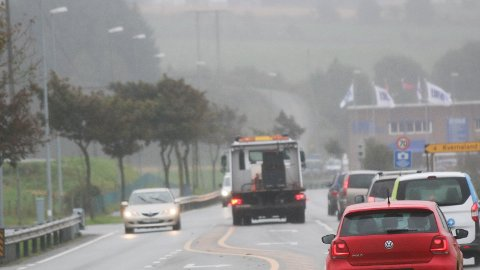 TRAFIKKSIKRING: Rett fram kjører ein sørover fylkesveg 44, inn til venstre går vegen mot Orstad. For å betra tryggleiken og trafikkflyten, skal Statens vegvesen byggja rundkjøring.
