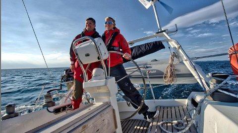 Margrethe Nærland fra Nærbø og kjæresten Andreas Julseth fra Stavanger skal seile rundt hele verden.