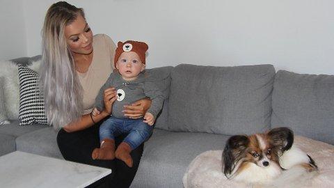 MOR OG SØNN:  Ann-Elin Stangeland med sønnen Liam Elander (8 måneder).