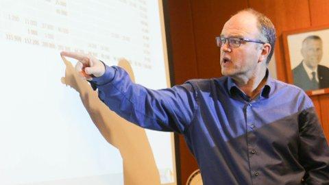 Økonomisjef Stein Kittelsen presenterte overraskende tall i formannskapet mandag kveld.