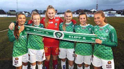 Disse seks Klepp-jentene har spilt i Toppserien i år, men fredagens cupfinale er nok høydepunktet denne sesongen. Fra venstre: Maria Hiim, Marie Hella Andresen, Kristin Rage, Ine Agnethe Aarskog, Tuva Hansen og Matilde Alsaker Rogde.