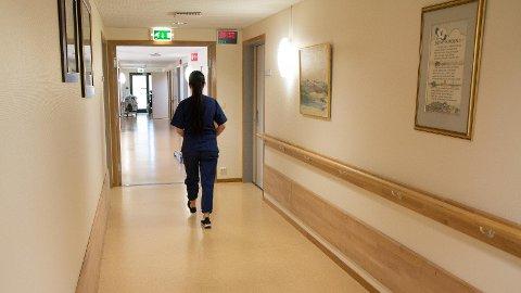 PRESS: TIlsette i omsorgssektoren på Jæren fortel om stadig travlare dagar.  (Illustrasjonsfoto)