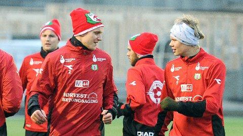 Marius Lode (t.v.) og Erling Braut Håland er Brynes heteste salgsobjekter. Bak til venstre ser vi Martin Hummervoll, som kan bli ny Bryne-spiss. mellom Lode og Braut Håland ser vi Rune Pedersen Bore, som kom til Bryne fra Frøyland i vinter.
