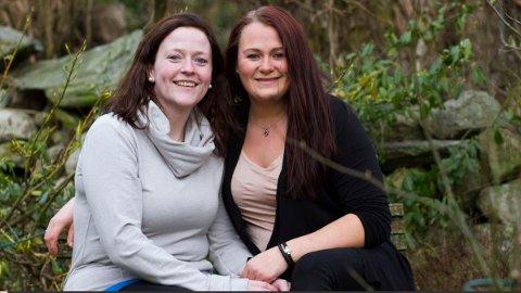 Kleppsbuene Christina Meland og Anette Edland blir det aller første lesbiske paret som gifter seg i kirken med den nye vigselsliturgien.
