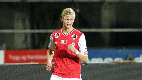 Erling Braut Håland skal spille med nummer 9 på ryggen denne sesongen.
