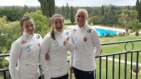 Tuva Hansen (f.v.), Hege Hansen og Maria Thorisdottir smilte nok ikke like bredt etter kampen mot Spania fredag kveld.