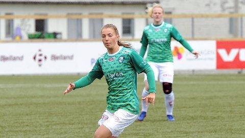 Maria Hiim og Susanne Vistnes (bak) er to av spillerne som starter på benken mot Amazon Grimstad.